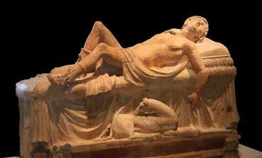 statue of man sleeping